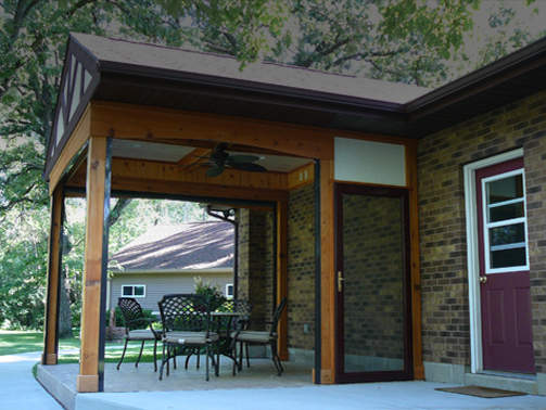 Screened in outdoor dining area Perfect for Wisconsin